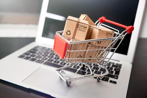 Comment créer sa propre entreprise en ligne ?